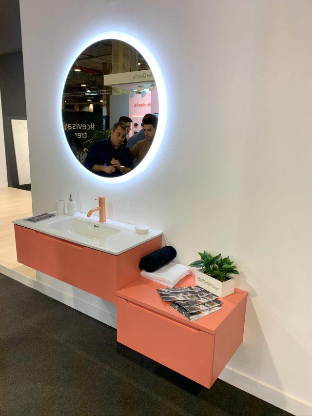 Mueble de baño color rosa Duplach